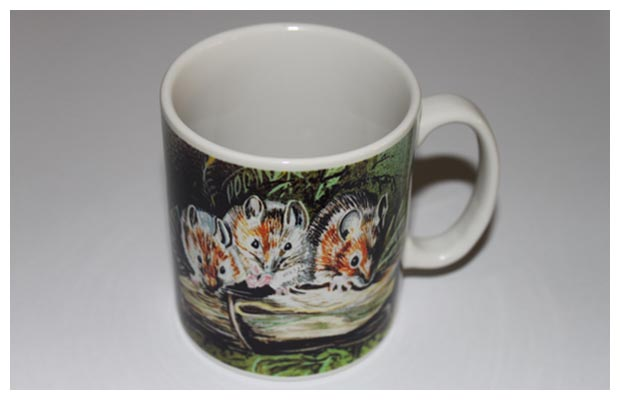 Mugs - Mice on log